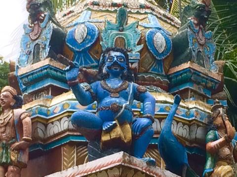 Индусский храм на Шриланке фото