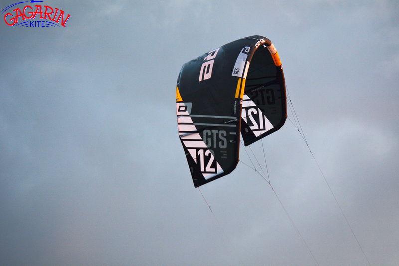 Кайт Core GTS 5 12 метров во время тестов в небе над ГагаринКайт фото